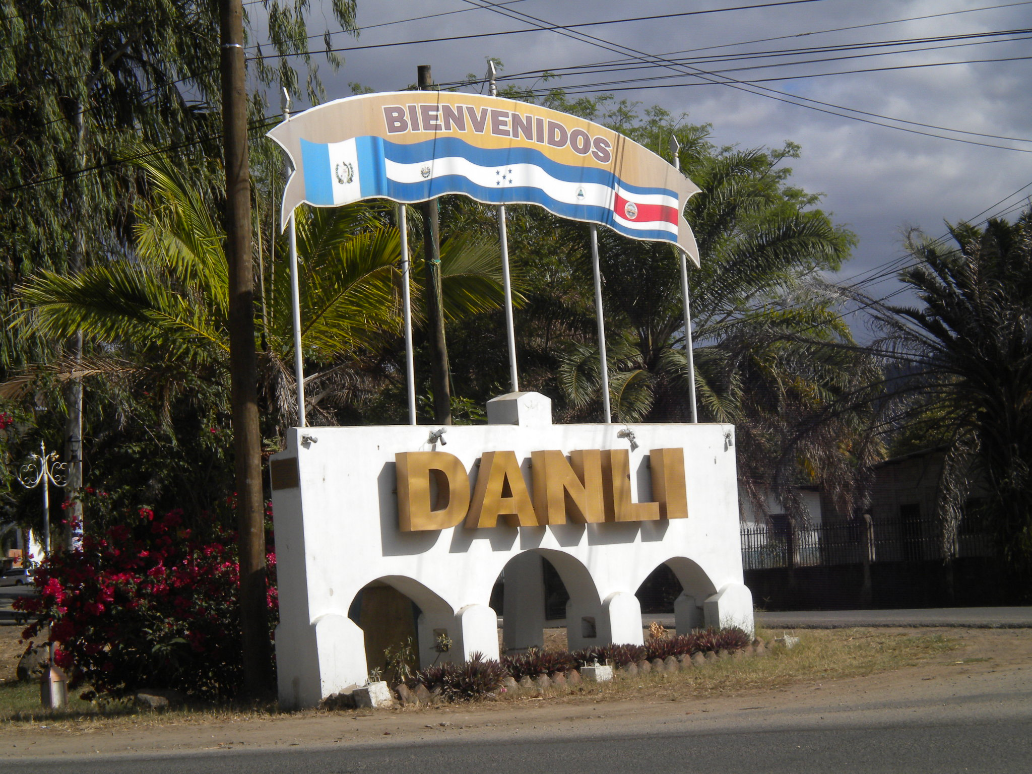 danli men Current, accurate and in depth facts on honduras unique cultural information provided 35,000 + pages countryreports - your world discovered.