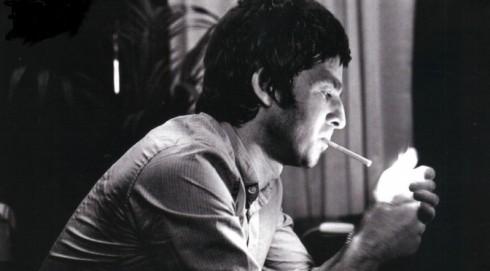 Noel-Gallagher-cig-1024x634-672x372
